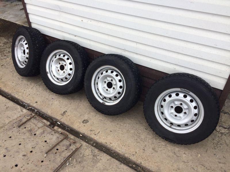 Комплект колес на шипованной резине Nokian R14